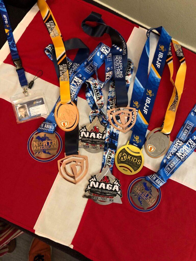 Her ses alle Evolets medaljer fra hendes USA Tour 2019